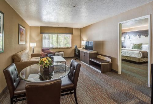 Best Western Plus Canyonlands Inn Photo