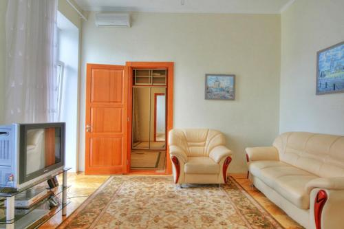 Hotel One bedroom apartment at 3 Kostelna str, near Independence square