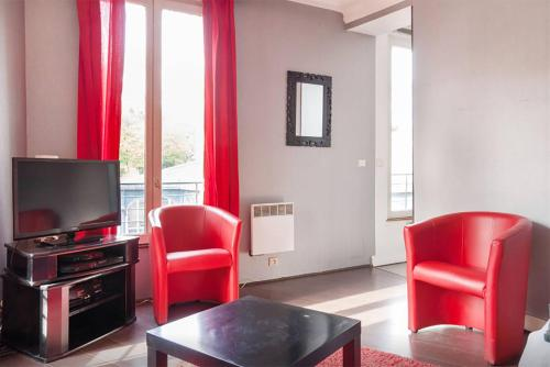 Flat with views on Montmartre/Sacre-Coeur - фото
