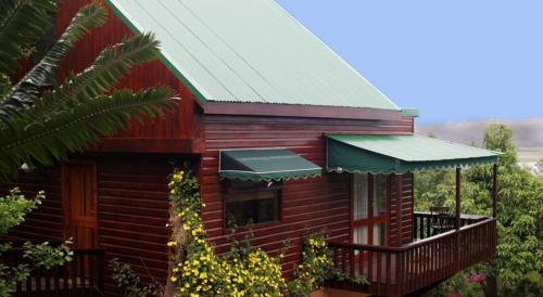 2 Bedroom Private Chalet In Beautiful Gardens Photo