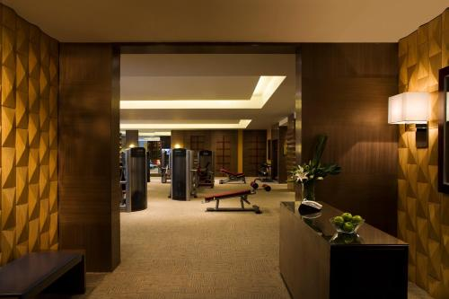 Courtyard By Marriott Shanghai Xujiahui photo 2