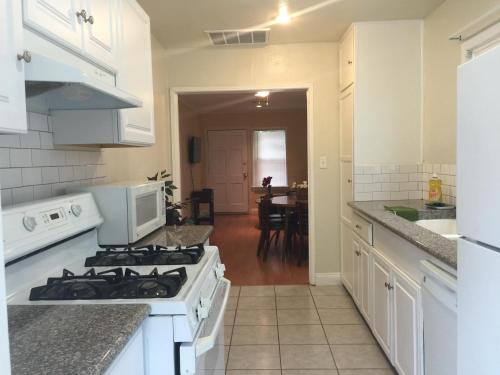 Nice Home in Burbank - Burbank, CA 91502