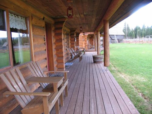 Wells Gray Guest Ranch Photo