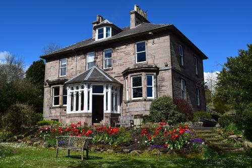 30 Castle Terrace, Berwick-upon-Tweed, Northumberland TD15 1NZ, England.