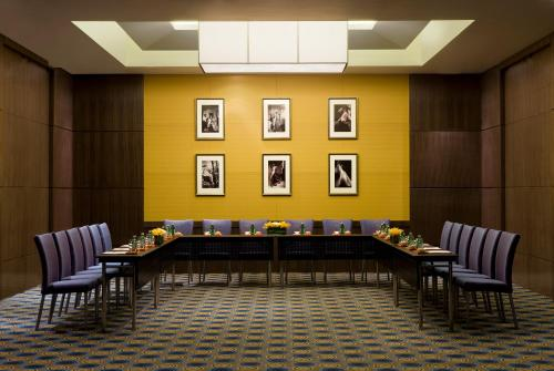 Courtyard By Marriott Shanghai Xujiahui photo 6