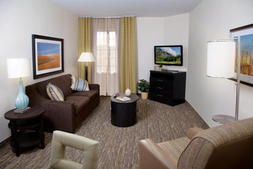 Candlewood Suites Lakeville I-35 Photo