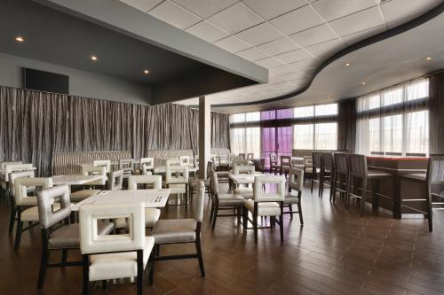 Park Inn by Radisson Toronto-Markham Photo