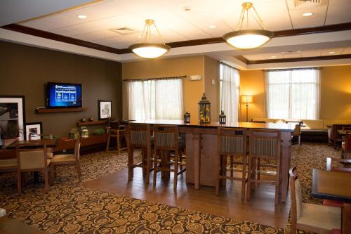 Hampton Inn - Springfield Photo