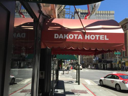 Dakota Hostel and Hotel Photo