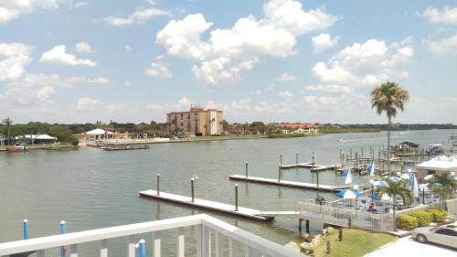 Waterfront Suites Photo