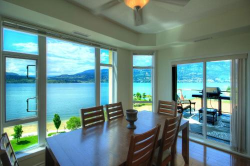 Sunset Waterfront Apartment Photo