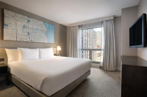 Hilton Chicago/Magnificent Mile Suites photo 22