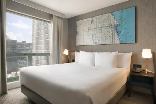 Hilton Chicago/Magnificent Mile Suites photo 4