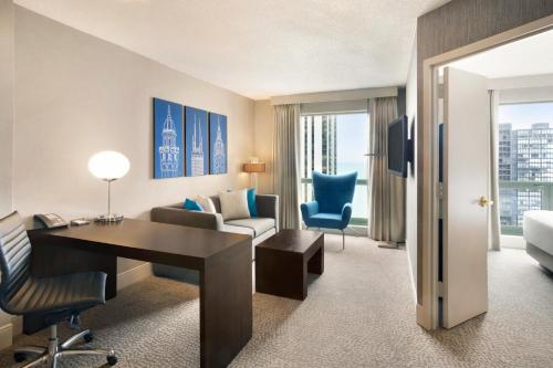 Hilton Chicago/Magnificent Mile Suites photo 32