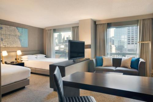 Hilton Chicago/Magnificent Mile Suites photo 31