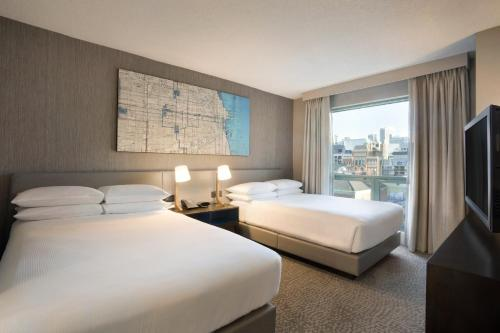 Hilton Chicago/Magnificent Mile Suites photo 12