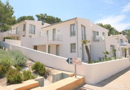Three-Bedroom Apartment in Mallorca with Pool VIII - фото 0