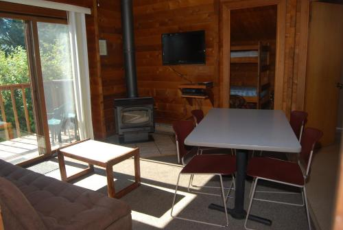 La Conner Camping Resort Beach Cabin 2 Photo
