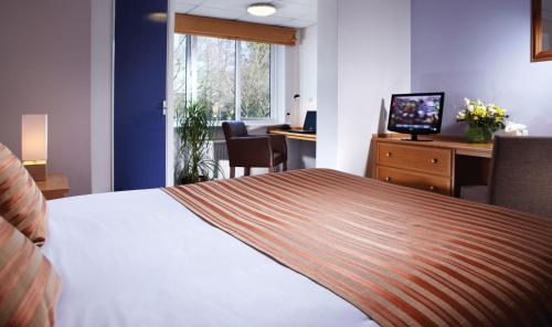 Photo of University of Birmingham Conference Park Hotel Bed and Breakfast Accommodation in Birmingham West Midlands