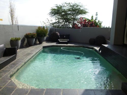Micasa Luxury Suites Guest House Photo