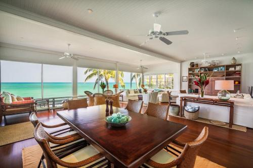 Walker's Lanikai Beach House Photo