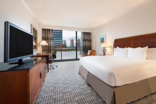 Hilton Houston Post Oak Photo