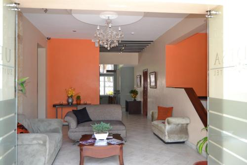 Urdesa Suites Hotel Photo