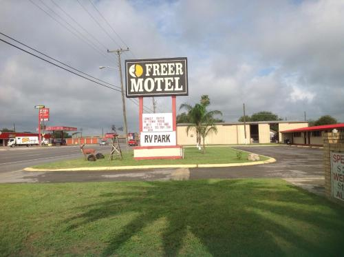 Freer Motel Photo
