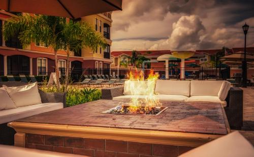Emerald Greens Condo Resort - Tampa, FL 33618