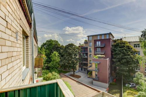 Studio apartment with balcony - фото 0