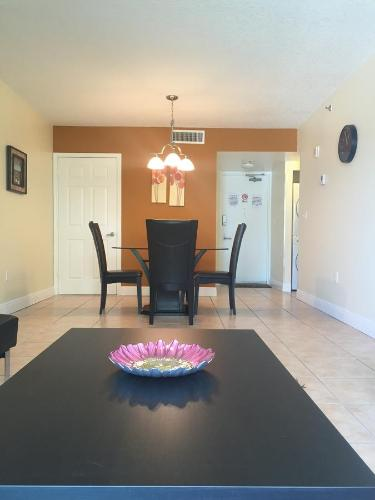 Surfside Palm Condo Photo