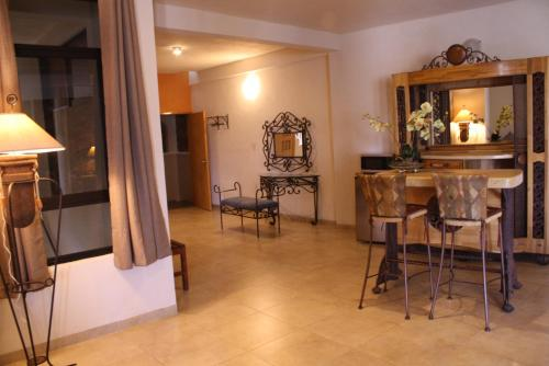 Casa Corazon de Plata Suites Photo