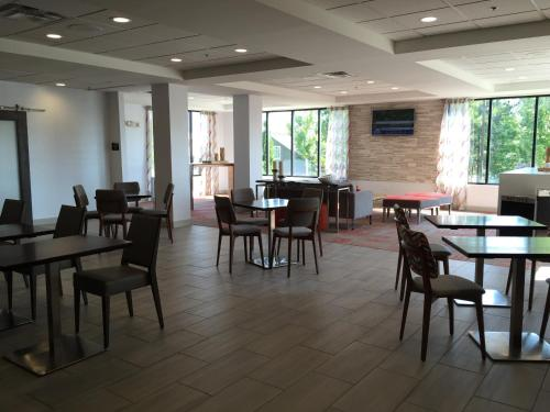 Best Western Plus Columbus Ft. Benning - Columbus, GA 31909