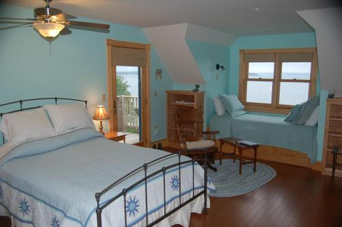 Wave Walker Bed and Breakfast Photo