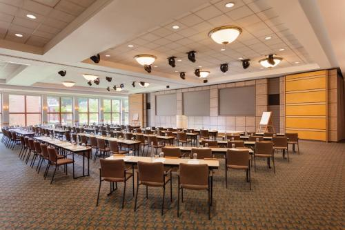 HNA Palisades Premier Conference Center Photo