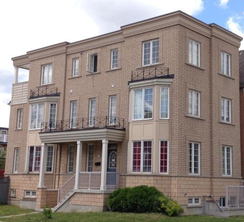 North York University Guest Home Photo