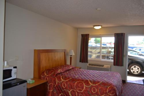 Skyway Inn - Seatac Photo