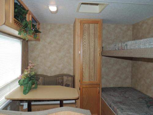Lake George Escape 40 ft. Travel Trailer 48 Photo