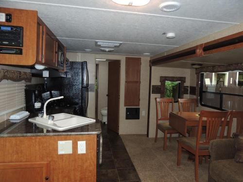 Lake George Escape 40 ft. Premium Travel Trailer 40 Photo