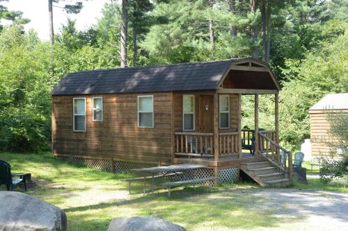 Lake George Escape 28 ft. Cabin 13 Photo