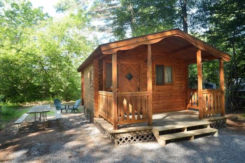 Lake George Escape One-Bedroom Rustic Cabin 61 - warrensburg-new-york - booking - hébergement