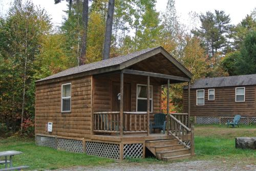 Lake George Escape 24 Ft. Cabin 3 Photo