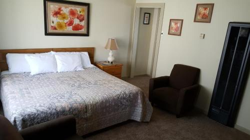 Bishop Village Motel - Bishop, CA 93514