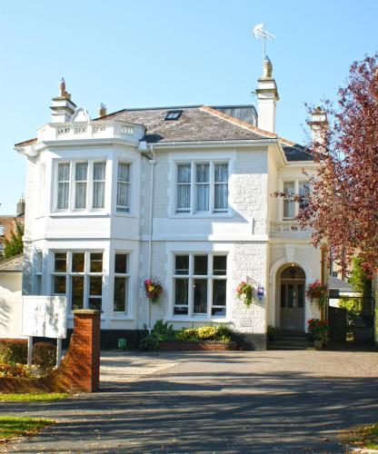 Photo of The Wyastone Hotel Bed and Breakfast Accommodation in Cheltenham Gloucestershire