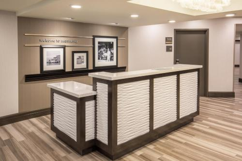 Hampton Inn Monterey Photo