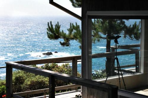 Shangri-La Cliffside Cottage Photo