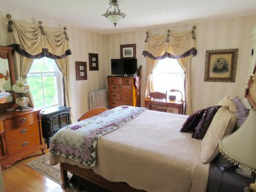 The Sleigh Maker Inn Bed and Breakfast Photo