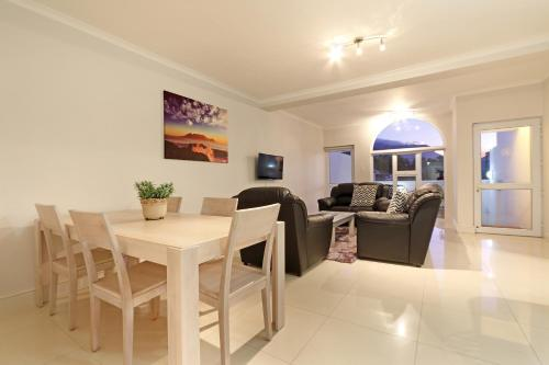 Camps Bay Beach Apartment Photo