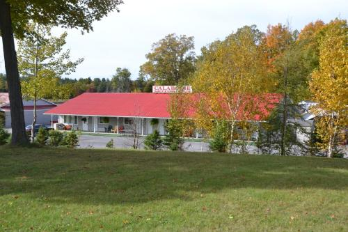 Calabogie Motor Inn Photo