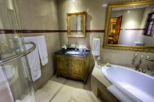 The Oasis Boutique Hotel Photo